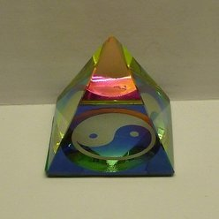 Пирамида цветная Инь-Янь