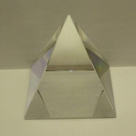Kristall Pyramide 6*6*6 cm