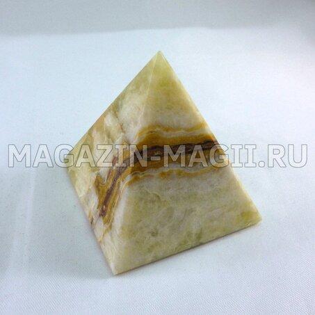 Pyramid onyx 5*5*6 cm