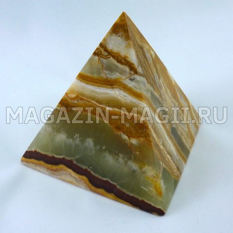 Пирамида  из оникса 7*7*7.5 см